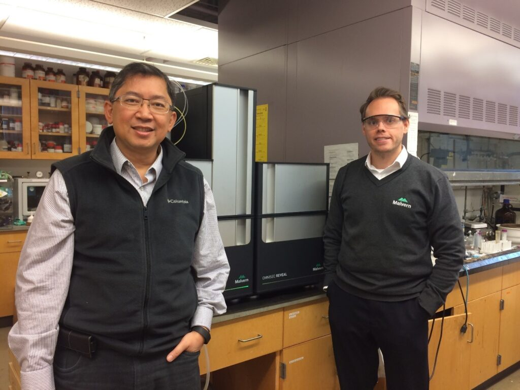 Prof. Rigoberto Advincula (left) and Dr. Mark Pothecary with the newly installed OMNISEC system.