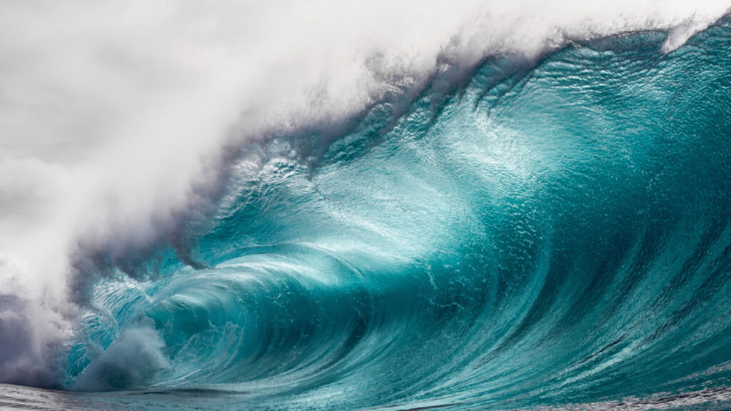 image of a wave crashing. The constant current mode aims to prevent electrode polarization by keeping the current instead of the voltage constant